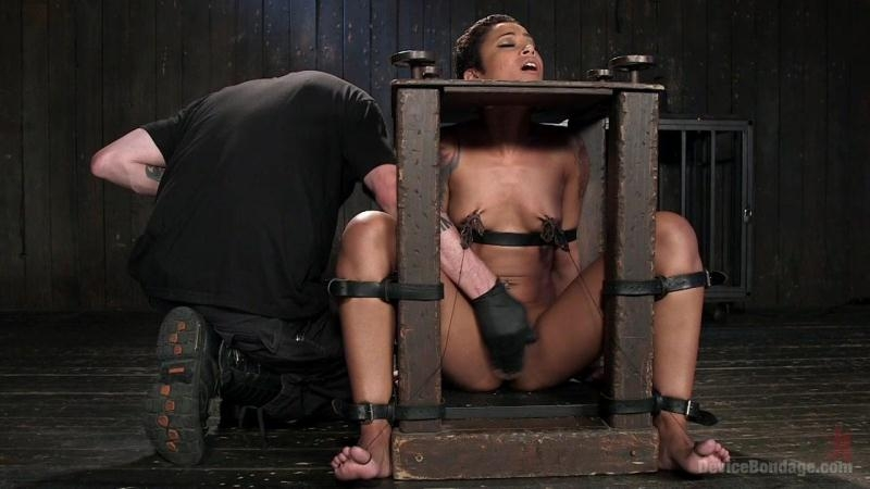 Skin Diamond - PENTHOUSE PET SKIN DIAMOND SQUIRTING IN BRUTAL BONDAGE AND PUNISHED!! (HD) DeviceBondage [HD 720p] (2018)