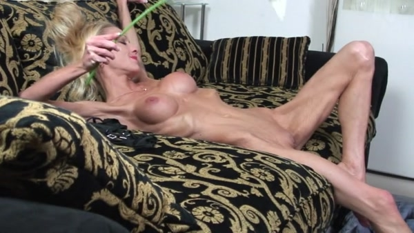 beth from the bounty hunter nude