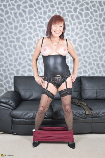 British mature girdle