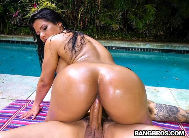 Rose Monroe Returns! (Latina) BangBros [SD 480p] (2018)