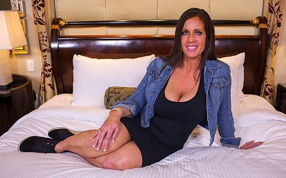 Eager MILF Can't Wait To Get Anal (Milf) M0mP0v [SD 360p] (2018)